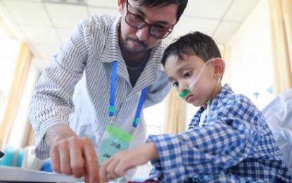 چین بیست کودک افغان را که بیماری قلبی داشتند، درمان کرد