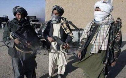 در یک درگیری میان ارتش و طالبان در بادغیس، ۳۰ سرباز ارتش جان باخته اند