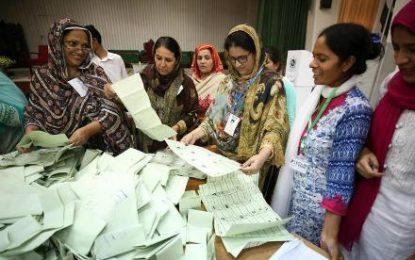 شمارش آرای انتخابات پارلمانی و ایالتی پاکستان به تعویق افتاد