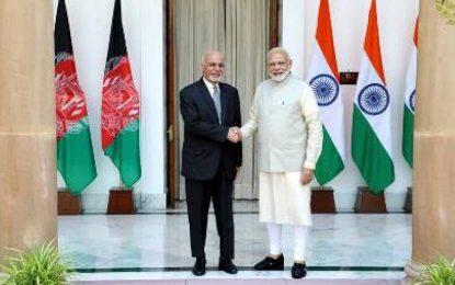 هند ۱۰۰۰ ملیبس شهری به افغانستان کمک میکند