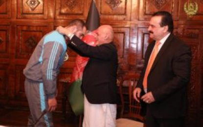 رئیس جمهور از ورزشکاران مدال آور تقدیر کرد