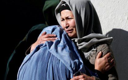 شماری از خانوادههای شهدا در نیمروز از بی توجهی دولت نسبت به آنان شکایت دارند