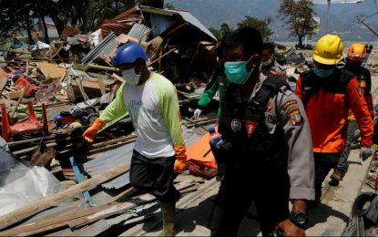 شمار تلفات زلزله در اندونیزی به ۱۲۰۰ تن افزایش یافته است
