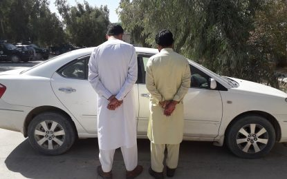 نیروهای امنیتی نیمروز دو سارق موتر  را بازداشت نمودهاند
