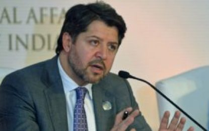 حکمت خلیل کرزی معین سیاسی وزارت خارجه کشور از مقامش کنار رفت