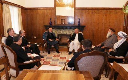 رئیس جمهور با سران سیاسی و جهادی در ارگ دیدار کرد