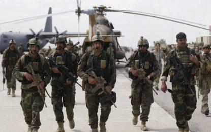 ترامپ بخشی از پولهای کمکی به ارتش کشور را در ساخت دیوار مکزیک مصرف میکند