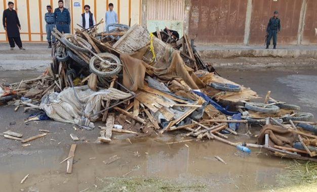 گاریداران شهر زرنج نیمروز: شهردار گاریهای مان را شکسته و با ما بدرفتاری کرده است