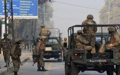 افراد مسلح ناشناس ۵ پولیس پاکستانی را کشتند