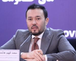 فهیم هاشمی: یک جیبی انترنت برای شرکتها ۹ افغانی تمام میشود، اما ۱۸۰ افغانی به فروش میرسد