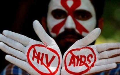 در هر ساعت ۲۰ دختر در جهان به ویروس عامل ایدز گرفتار میشوند