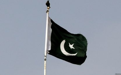 یک راننده ریکشا در پاکستان خود را آتش زد و جان داد