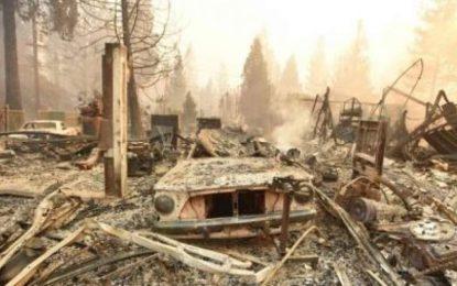 در آتشسوزی در کالیفورنیای امریکا، ۶ تن کشته و هزاران تن آواره شده است