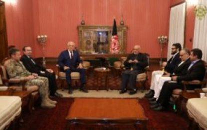 رئیس جمهور غنی با نماینده ویژه امریکا در باره صلح افغانستان دیدار کرد