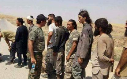 کردهای سوری تحت حمایت امریکا ۳۰۰ داعشی را به دولت عراق تسلیم کرده است