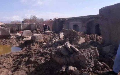 سرازیر شدن سیلاب در هرات صدها خانه مسکونی را ویران کرده است