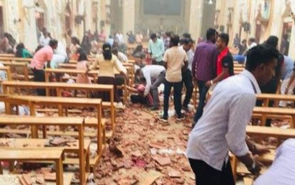 در انفجارهای پیهم در سریلانکا، بیش از ۳۰۰ تن کشته و زخمی شدند