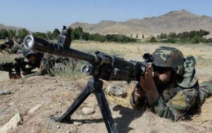 نیروهای امنیتی و دفاعی ۲۷ طالب را در غزنی از پا در آورده اند