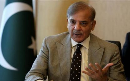 نخست وزیر پاکستان به معامله کشمیر در برابر صلح افغانستان متهم شده است
