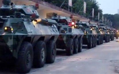 برگزاری رژه نظامی چین در نزدیک مرز با هانک کانگ