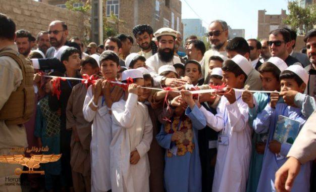 سه پروژه خدماتی در شهر هرات به هزینه ۲۸ میلیون افغانی آغاز شد